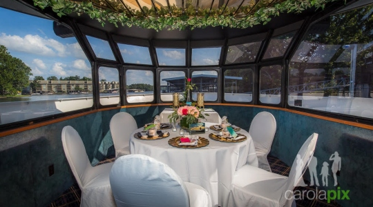 Private Dinner on Tropical Island Cruises